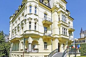 Karlovy Vary: 4* hotel s wellness procedurami v ceně a polopenzí...