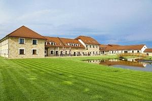 Rakovnicko: Luxusní Hotel Lions s all inclusive a neomezeným wellness s bazénem...