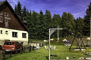 Letní dovolená ve vyhlášeném hotelu Maxov v Jizerských horách pro dva s polopenzí, saunou....