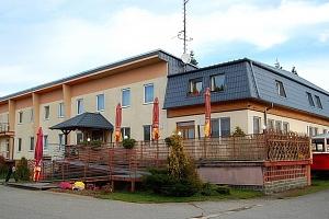 Hotel Vrchovina v Moravském krasu s polopenzí...