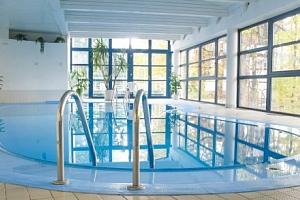 Písek v Interhotelu America **** se snídaní a neomezeným bazénem a saunami...