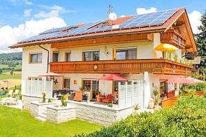 Bavorský les: Hotel Rösslwirt *** s lázněmi, polopenzí a českým personálem...
