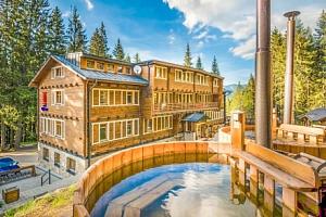 Nízké Tatry: legendární hotel Björnson s polopenzí, finskými káděmi a grilem...