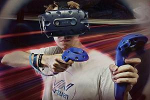 Hodina hraní ve virtuální realitě v Brně...