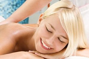 Až hodinová masáž v Estetickém centru To well. Na výběr z několika druhů. Vhodné pro muže i ženy....