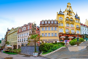 Karlovy Vary v Hotelu Krásná Královna **** s polopenzí a vstupem do lázní...