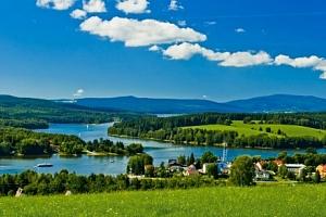 Lipno: Hotel Swing *** jen 300 m od přehrady + bazén, polopenze a 2 děti zdarma...
