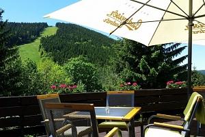 Jarní víkend v Parkhotelu Harrachov*** s polopenzí a výhledem na Čertovu horu...