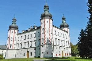 Krkonoše v hotelu ve Vrchlabí s privátním wellness, slevami a snídaní nebo polopenzí...