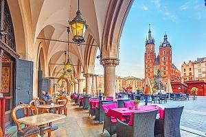 Krakov ve 3* hotelu Fortuna v historickém centru města se snídaní...