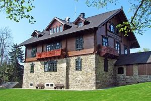 Šumava přes léto v hotelu nedaleko nádrže Lipno s wellness, soláriem, fitness a polopenzí...