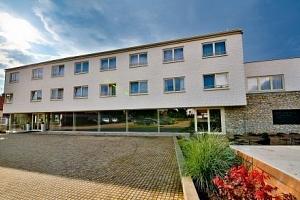 Praha se vstupem do ZOO v hotelu Modrá stodola **** pro rodiny až se 2 dětmi...