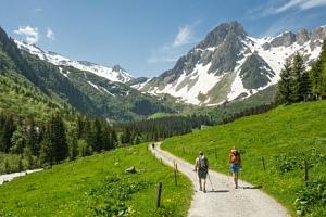 Rakouské Alpy: český penzion Sunny u jezera Lunzer See s polopenzí...