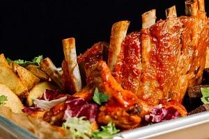 Masová hostina v restauraci Švejk pro 2-8 osob...