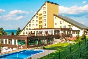 Bílé Karpaty: Horský Hotel Jelenovská *** s polopenzí, bazénem i procedurou...