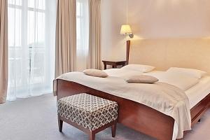 Hotel Sun v Mariánských Lázních s procedurami, bazénem a polopenzí...
