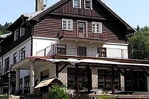 Relaxační letní pobyt v Hotelu Orlice pro dva s polopenzí, kulečník zdarma, bazén, horské tříkolky....