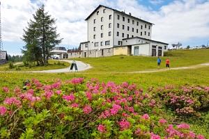 Rakouské Alpy v Hotelu Berghof *** Tauplitzalm u lanovky s polopenzí a saunou...