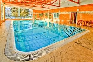 Mariánské Lázně: Hotel Krakonoš *** s bazénem, léčebnou procedurou a polopenzí...