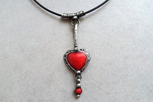 Sobotní kurz Cínovaný šperk v Prostějově - termín domluvou - Tento kurz - Cínovaný šperk je určen…...