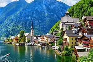 Výlet do rakouského města Hallstattu s projížďkou lodí...