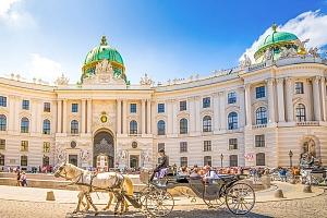 Vídeň v hotelu u oblíbeného Danube Island se snídaní a zážitkem + 1 dítě do 11,9 zdarma, termíny…...