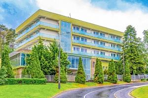 Hévíz: Hotel Fit Hévíz s neomezeným wellness s termální vodou + polopenze...