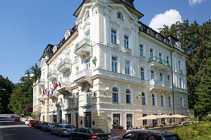 Hotel Westend**** v Mariánských Lázních s polopenzí a saunou...