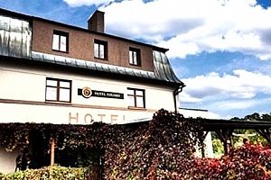 Pobyt pro dva s polopenzí v Hotelu Eduard. Ubytování, turistická oblast malebná krajina....