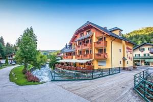 Rakouské Alpy: Sporthotel Dachstein West *** s polopenzí, lázněmi a wellness...