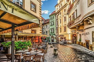 Praha ve 4* hotelu se snídaní + luxusní večeře, sauna, víno nebo plavba po Vltavě...