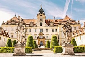 Jižní Morava v penzionu u zámku Valtice se snídaní a vínem...