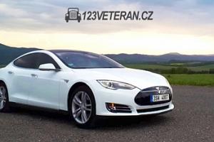 Jízda v elektromobilu Tesla Model S jako spolujezdec či řidič...