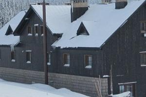 Vánoce na horách. Přijměte naše pozvání na vánoční pobyt na chatě Malá Rennerovka...
