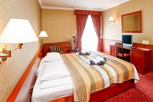Eger v Hotelu Ködmön **** s neomezeným wellness a vstupem do termálních lázní...