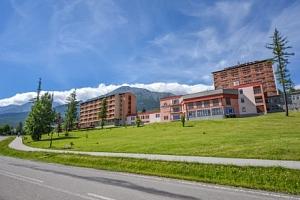 Vysoké Tatry v Grand Hotelu Bellevue **** s polopenzí a neomezeným wellness...