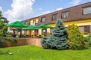 Bešeňová v Penzionu Agrothermal se snídaní a slevami do termálních lázní...