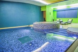 Krkonoše v Hotelu Centrum Harrachov *** s polopenzí, wellness a procedurami...