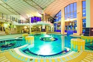 Park Inn by Radisson Sárvár **** - TOP pobyt v lázeňském komplexu s termálními bazény a all…...