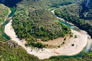 Den ve dvou: Jízda na kanoi po řece Jizeře a návrat na koloběžce...