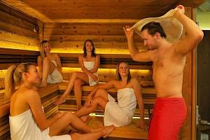 Privátní wellness a saunové ceremoniály se saunovým mistrem...