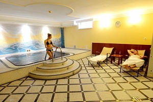 Hotel Tilia **** jen 20 minut od Bratislavy se snídaněmi a parádním wellness...