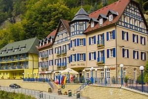 Hotel Praha**** v Českém Švýcarsku se snídaní...