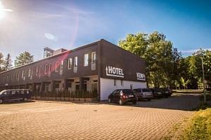 Sázava: víkend v Hotelu Sázavský ostrov s polopenzí, saunou a vstupem do Huti...