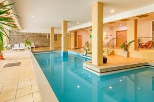 Hotel Fit Hévíz *** jen 500 od termálního jezera + polopenze a wellness...