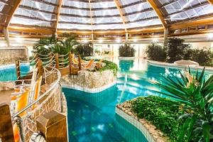 Maďarsko: Gotthard Therme Hotel **** s vlastními lázněmi a wellness (1 500 m²) + polopenze a nápoje…...
