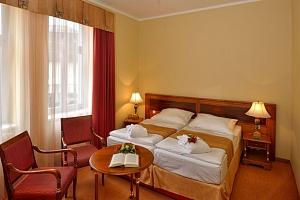 Hotel Continental**** v Mariánských Lázních s wellness a procedurami...