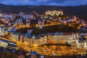 Spa Hotel Panorama v Karlových Varech s lázeňskými procedurami a polopenzí...