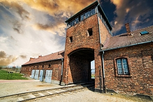 1denní návštěva táborů Auschwitz – Birkenau v Osvětimi...