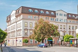 Lázně Poděbrady v hotelu v centru s polopenzí, vínem a půjčením Nordic walking holí...